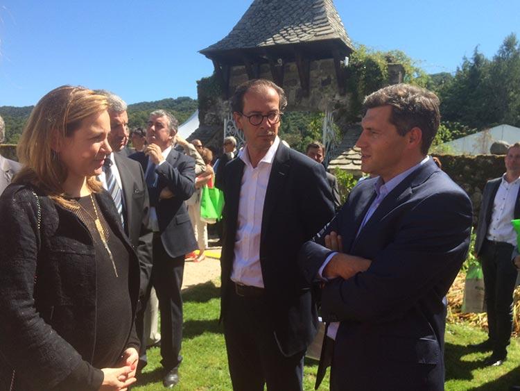 Axelle Lemaire, Secrétaire d'Etat au Numérique et Christophe, de Nordnet.
