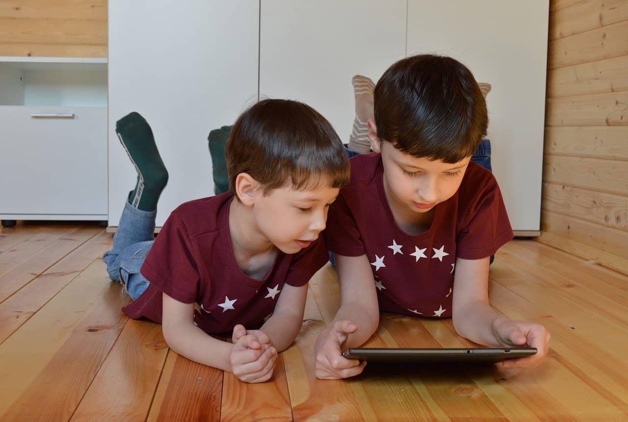 contrôle parental enfant internet sécurité danger internet