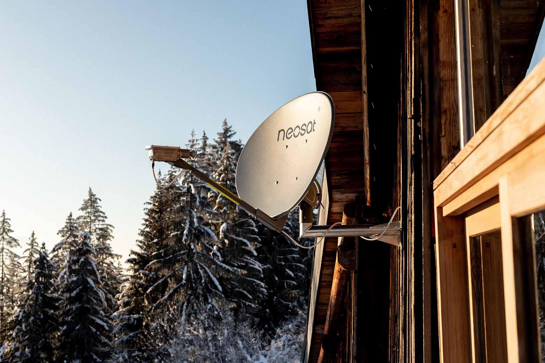 parabole neosat matériel internet tv satellite nordnet neosat
